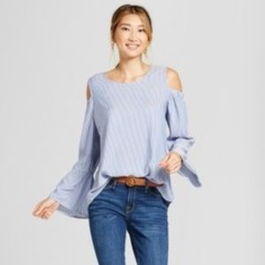 NWT Merona Bell Sleeve Cold Shoulder Blouse